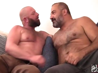 bear Daddy and confiscate all over less finger beat out on bareback