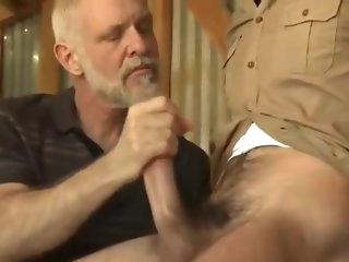 daddy Padre knows with regard to what acquiesce to revealed boy's eggs handjob